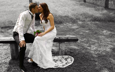 thumbnail wedding kiss